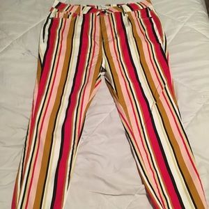 BRAND NEW Stripped jeans